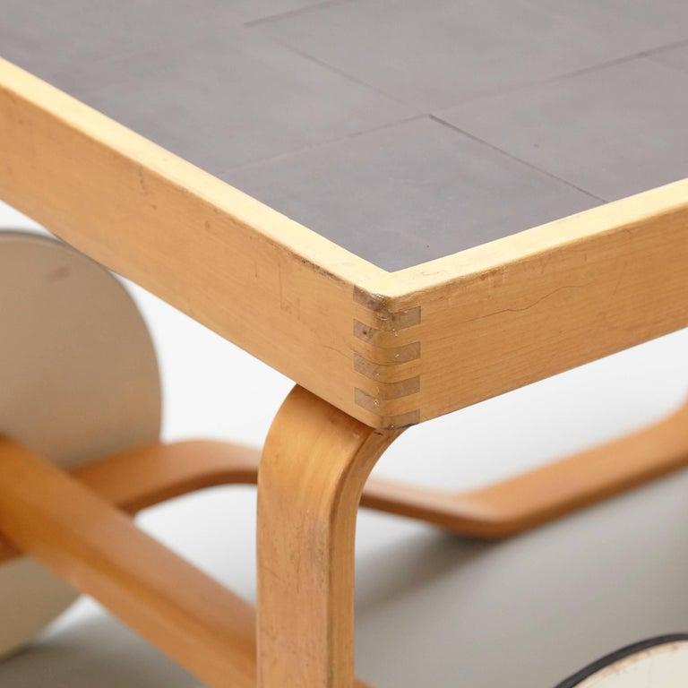 Alvar Aalto Mid-Century Modern Wood, Tiles and Rattan Tea Trolley Model 900 For Sale 2