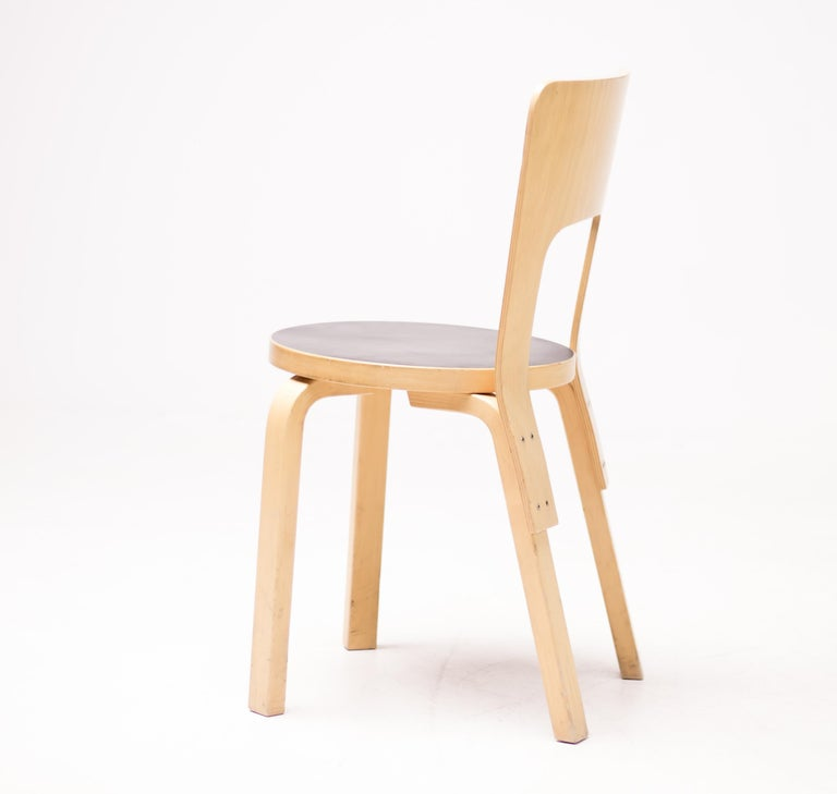Alvar Aalto Model 66 Chairs In Good Condition For Sale In Dronten, NL