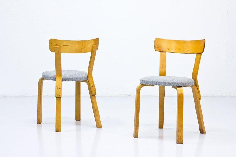 Scandinavian Modern Alvar Aalto, Model 69 Chair, Set of 2 For Sale