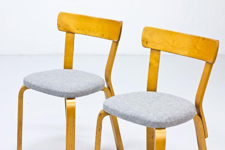 Alvar Aalto, Model 69 Chair, Set of 2 In Good Condition For Sale In Stockholm, SE