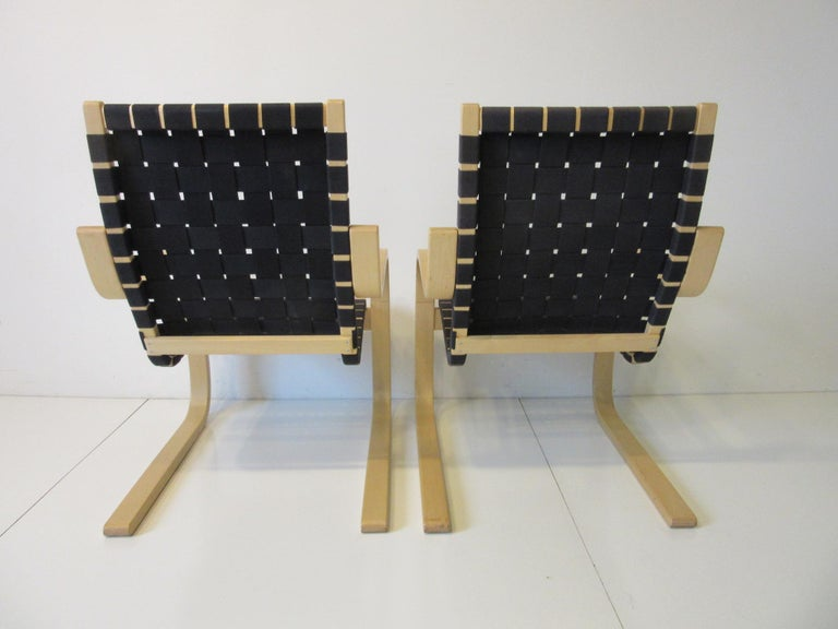 Finnish Alvar Alto 406 Woven Lounge Chairs For Sale