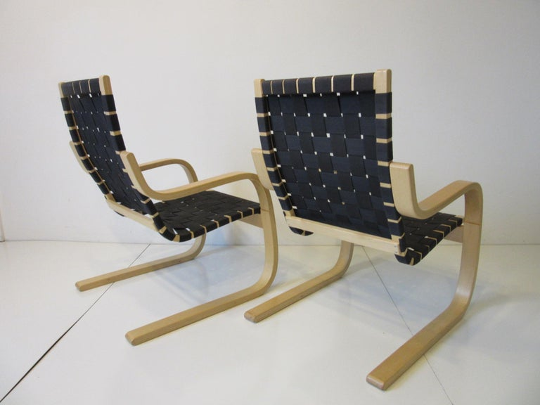 Alvar Alto 406 Woven Lounge Chairs In Good Condition For Sale In Cincinnati, OH