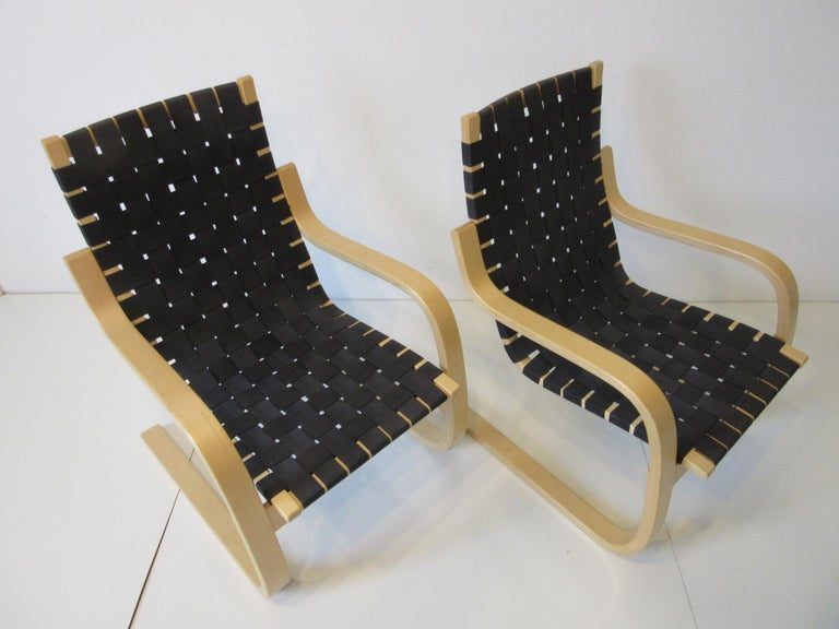 Alvar Alto 406 Woven Lounge Chairs For Sale 2
