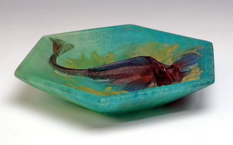 Art Deco Amalric Walter & Henri Bergé Nancy Art Déco Pâte de Verre Bowl with Fish For Sale