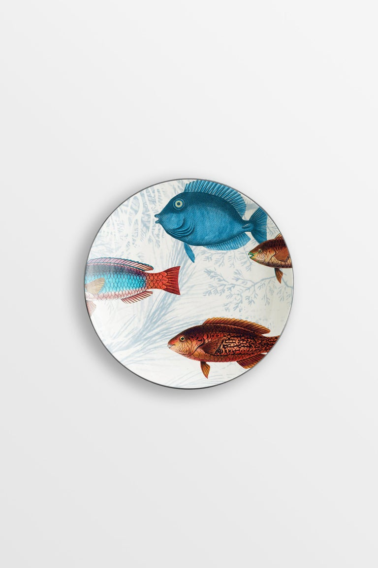 Inspired by the coral reef of the Amami Islands in Japan, the Amami collection features tropical fishes and beautiful seaweed. A perfect choice for every spot near the seaside. 6 bread plates.