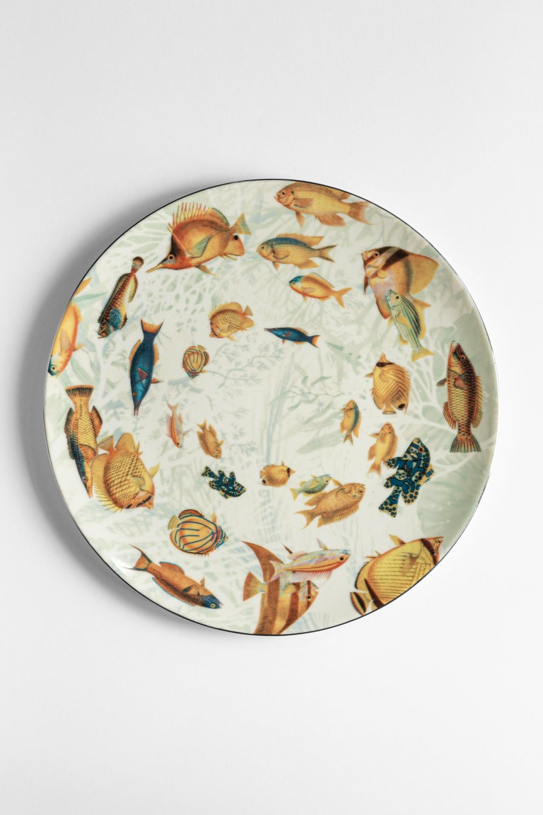 Italian Amami, Six Contemporary Porcelain Dinner Plates with Decorative Design For Sale