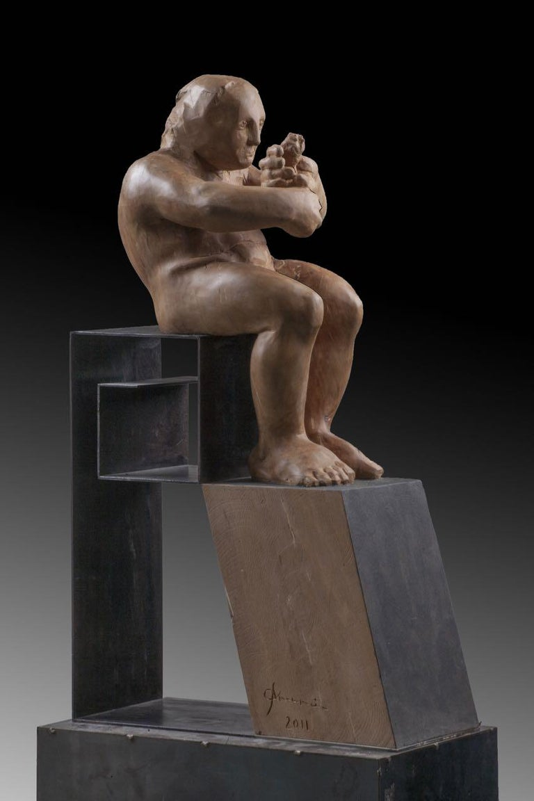 L´homme amoureux V. original wood sculpture - Contemporary Sculpture by Amancio González Andrés