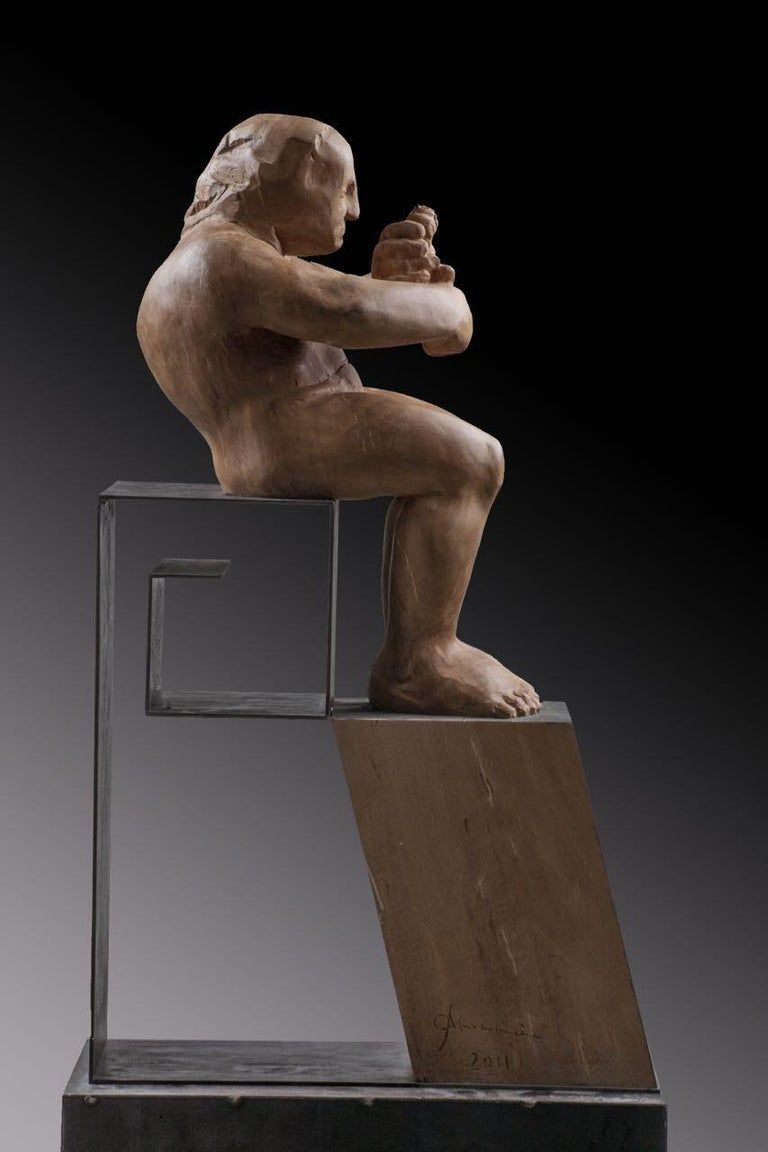 L´homme amoureux V. original wood sculpture - Brown Figurative Sculpture by Amancio González Andrés