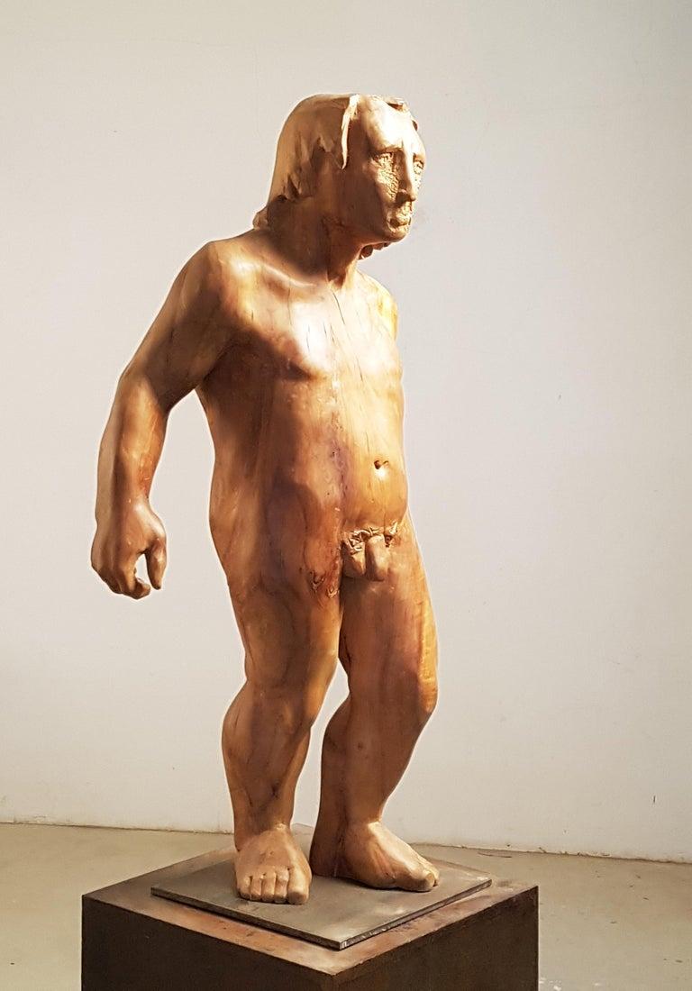 Perseo. wood. original  sculpture - Contemporary Sculpture by Amancio González Andrés