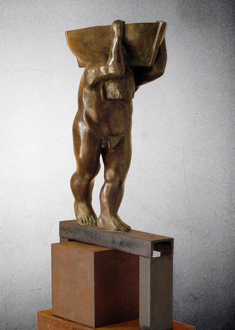 el hombre y el mar. original sculpture iron bronze - Sculpture by Amancio Gonzalez Morera