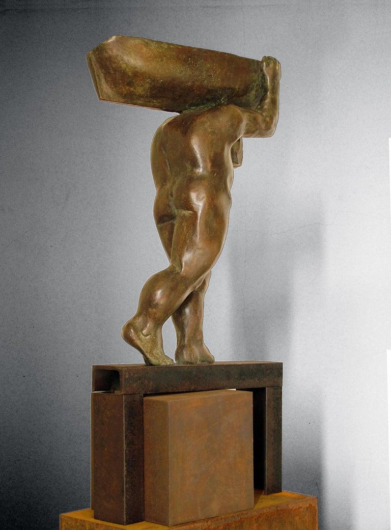 el hombre y el mar. original sculpture iron bronze For Sale 3