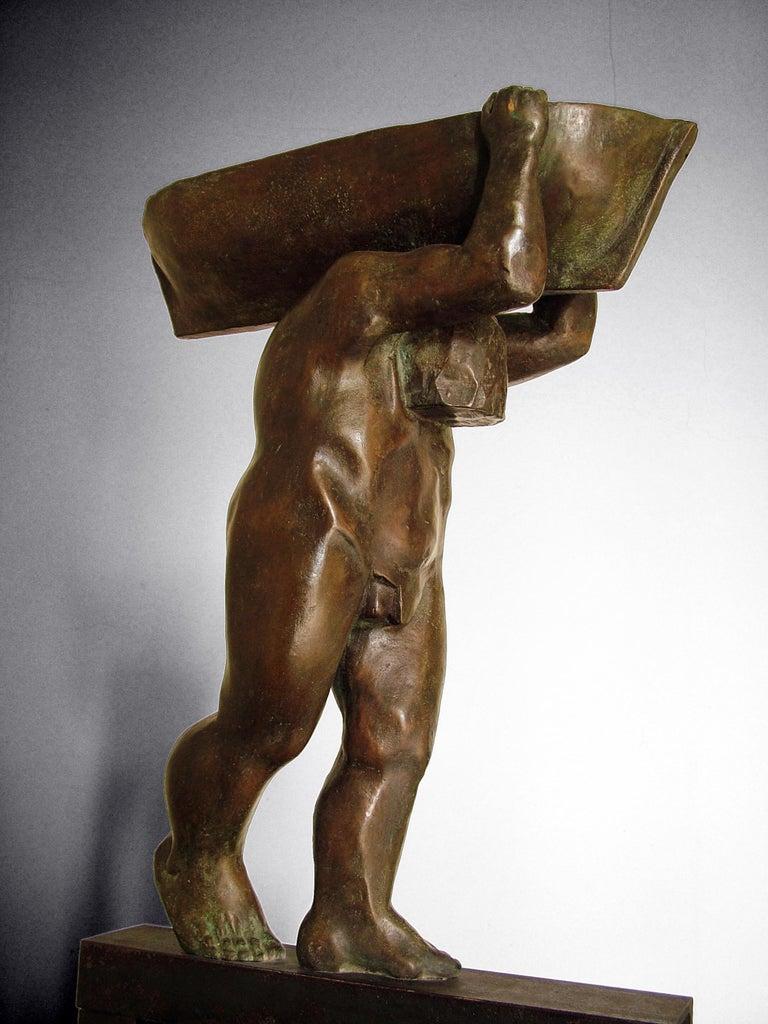 el hombre y el mar. original sculpture iron bronze For Sale 4