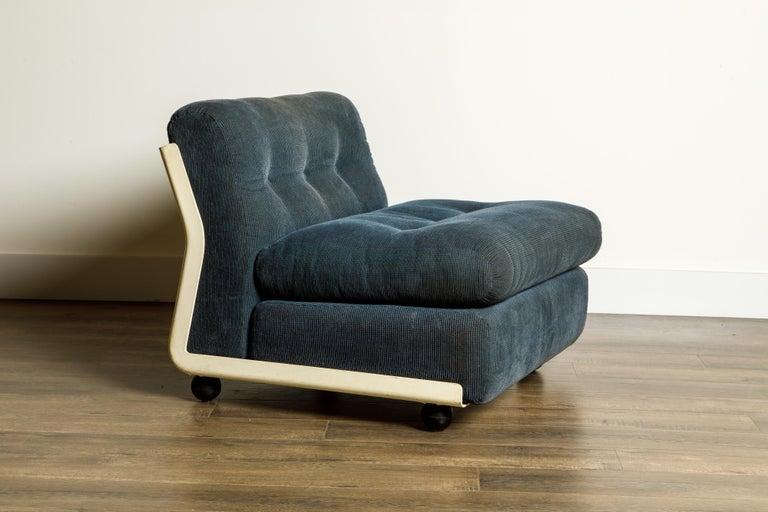 Italian 'Amanta' Fiberglass Lounge Chair by Mario Bellini for C&B Italia, c. 1966 Signed For Sale