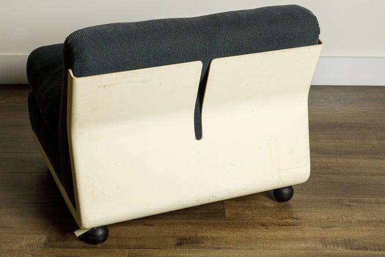 'Amanta' Fiberglass Lounge Chair by Mario Bellini for C&B Italia, c. 1966 Signed For Sale 2
