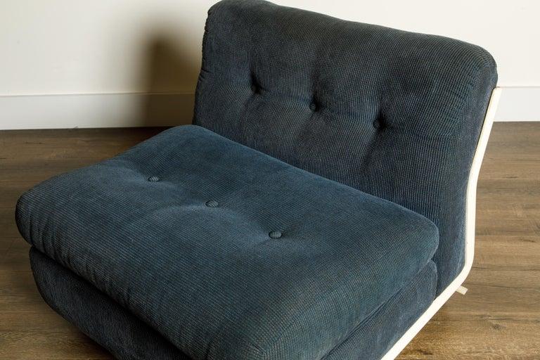 'Amanta' Fiberglass Lounge Chair by Mario Bellini for C&B Italia, c. 1966 Signed For Sale 3