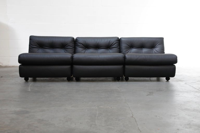 This set of three 'Amanta' lounges by Mario Bellini for C&B Italia, which can be connected to form a three-seat sofa or a loveseat and lounge or be used as three separate lounge chairs, is special and unique because it is from the original years of
