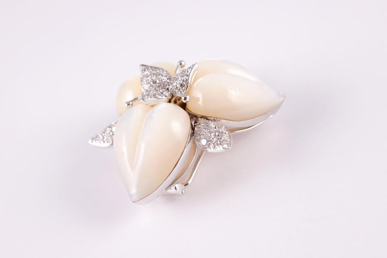 Women's or Men's Amarosa Mother of Pearl Diamond Brooch For Sale