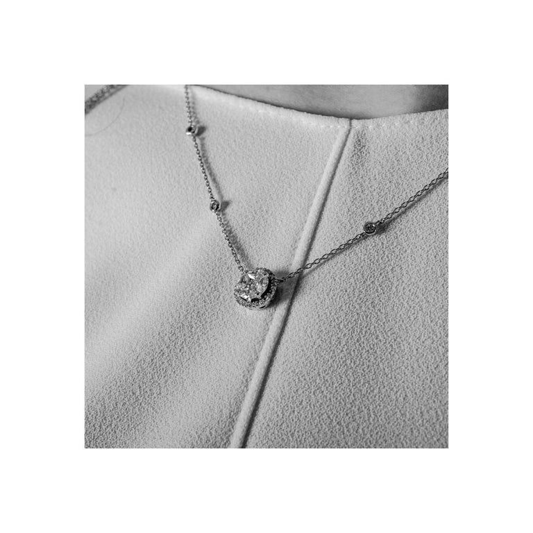 Round Cut Amazing 0.57 Carat Marquise Diamond Pendant Necklace 18 Karat White Gold GVS For Sale