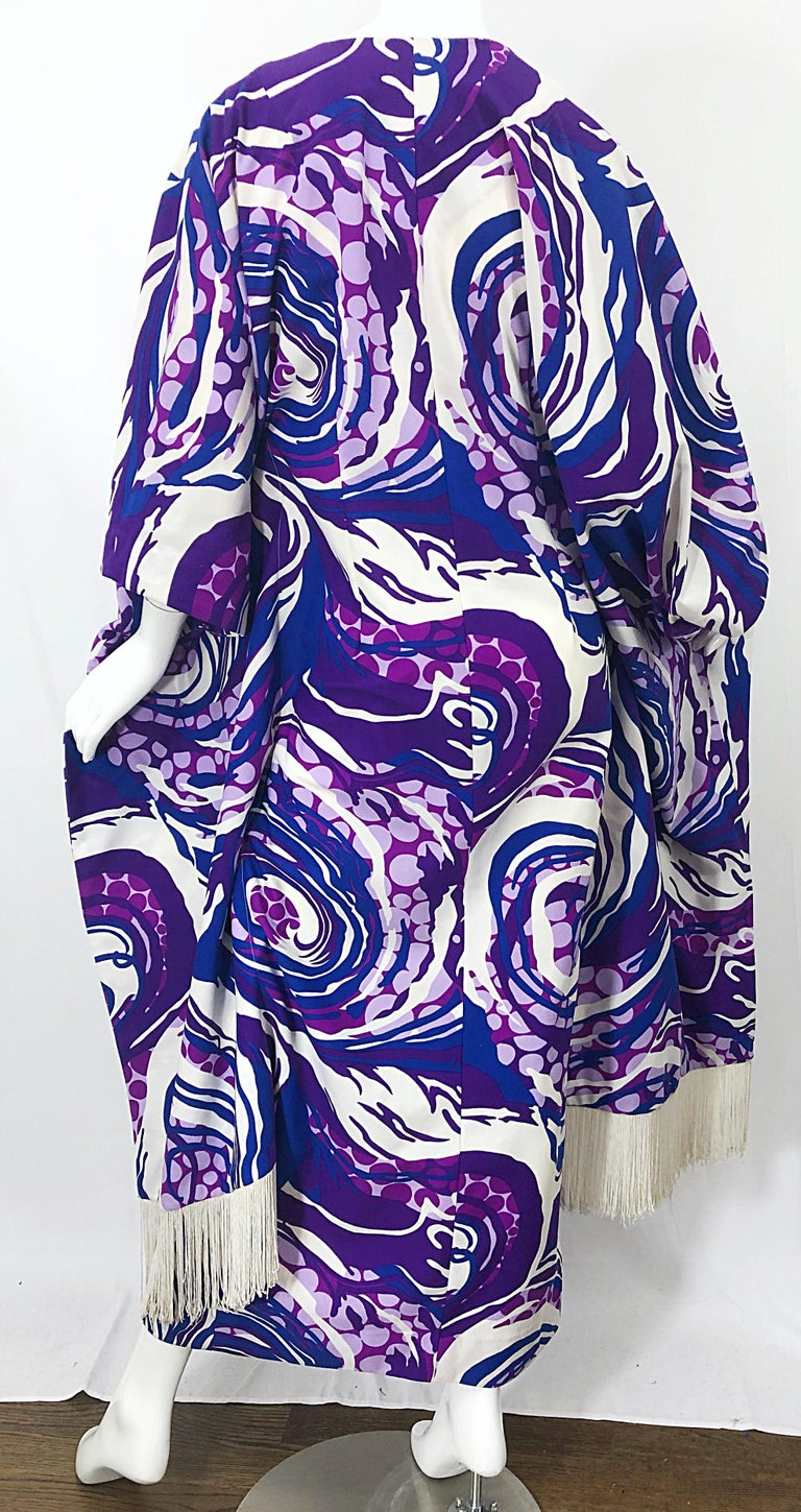 Amazing 1970s Fringed Purple and Blue Abstract Swirl Print Vintage 70s Caftan For Sale 8