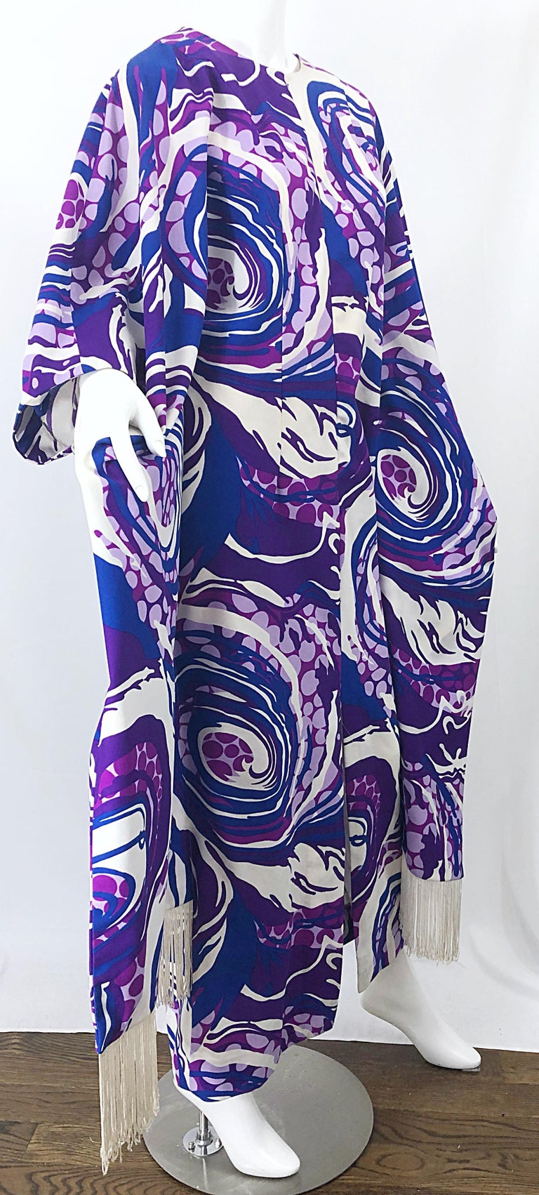 Amazing 1970s Fringed Purple and Blue Abstract Swirl Print Vintage 70s Caftan For Sale 10