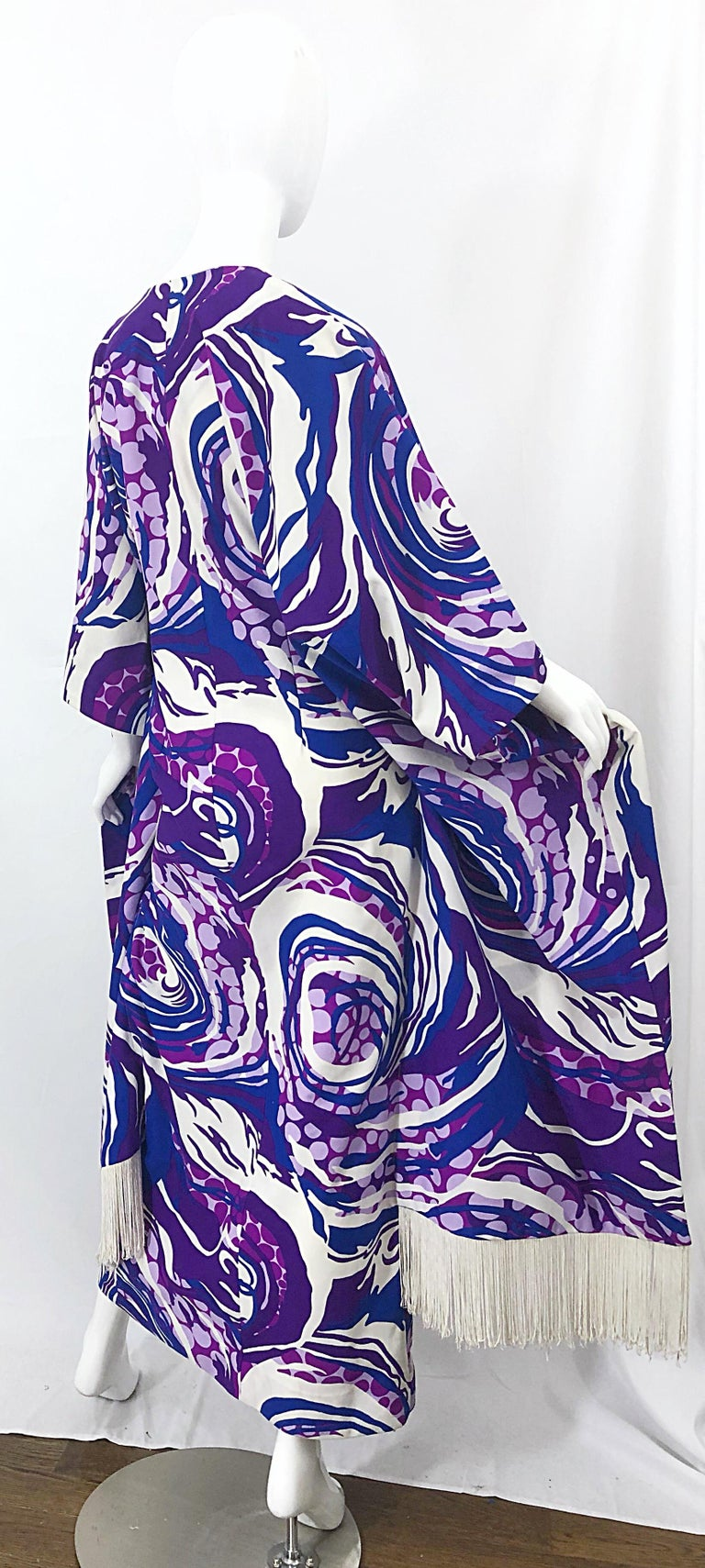 Amazing 1970s Fringed Purple and Blue Abstract Swirl Print Vintage 70s Caftan For Sale 11