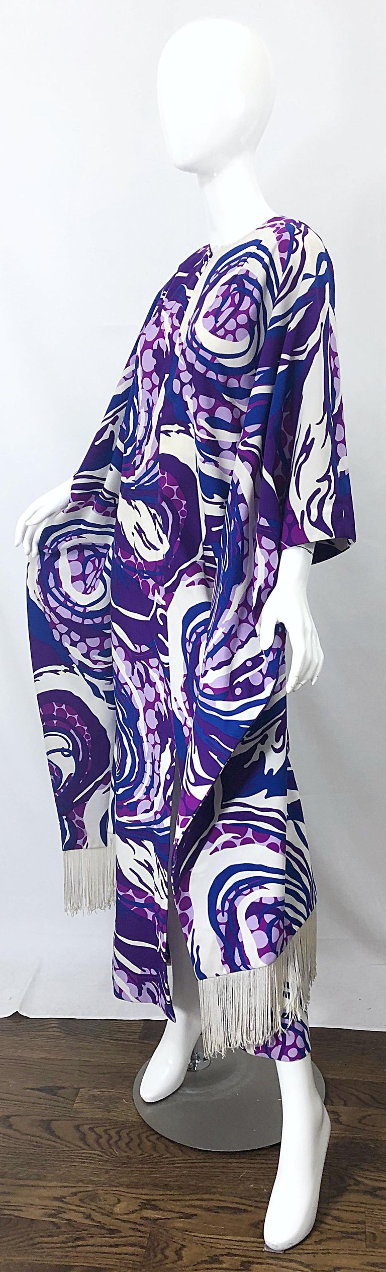 Amazing 1970s Fringed Purple and Blue Abstract Swirl Print Vintage 70s Caftan For Sale 1