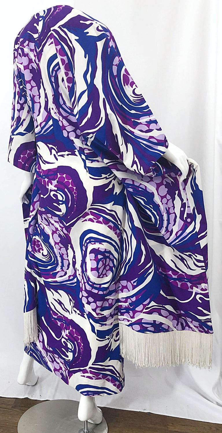 Amazing 1970s Fringed Purple and Blue Abstract Swirl Print Vintage 70s Caftan For Sale 4