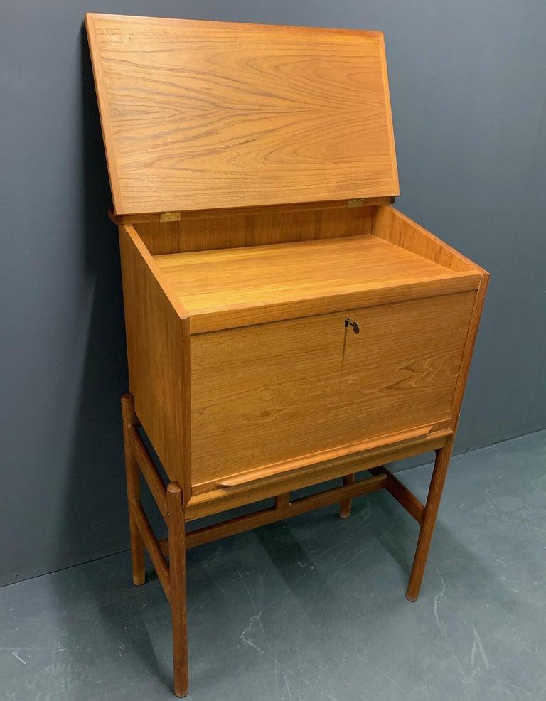 Amazing Arne Wahl Iversen Standing Desk and Secretaire Model 67 For Sale 3