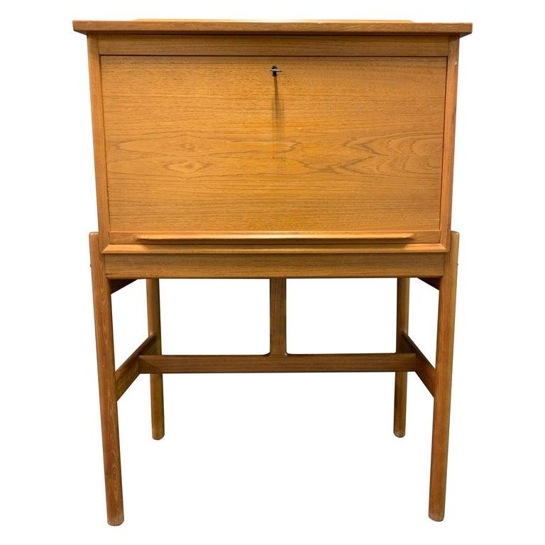 Amazing Arne Wahl Iversen Standing Desk and Secretaire Model 67 For Sale