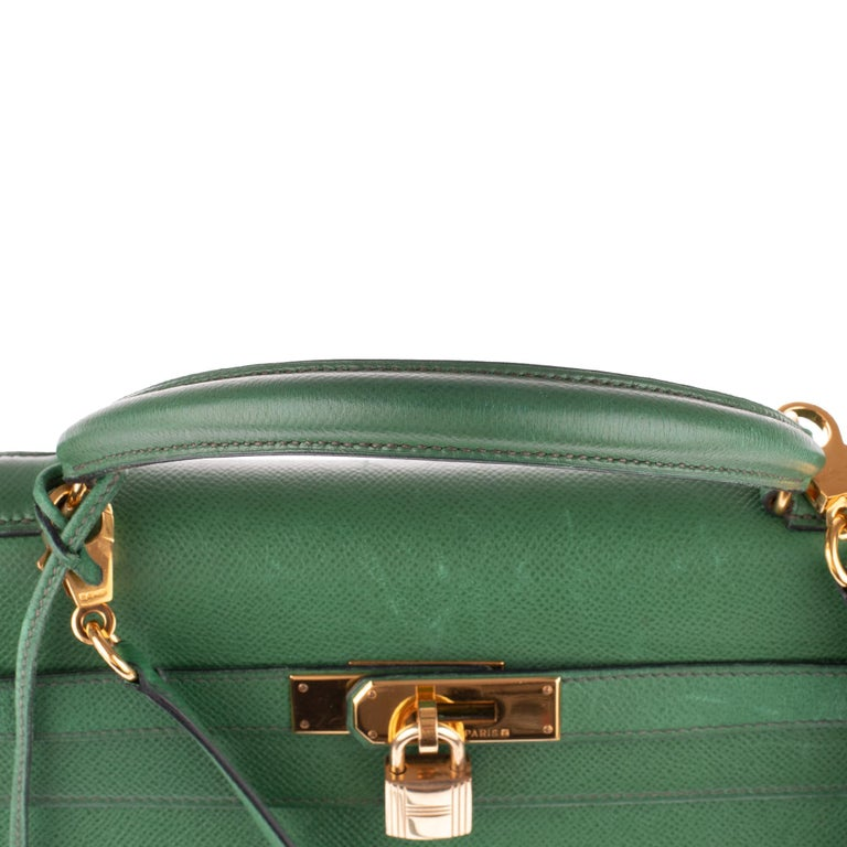 Amazing handbag Hermès Kelly 32 sellier with strap in green courchevel leather ! 5