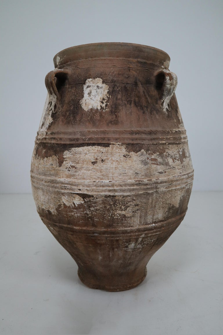 Amazing Large Greek Patinated Terracotta Jar from the Early 20th Century In Good Condition For Sale In Almelo, NL