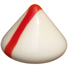Amazing Leucos Pyramid Shape Lamp 1970s in Red and White Murano Glass, Italy