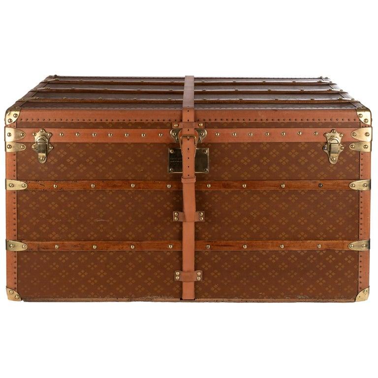 """Amazing """"Aux Etats-Unis"""" vintage Trunk in brown canvas, Circa 1900's For Sale"""