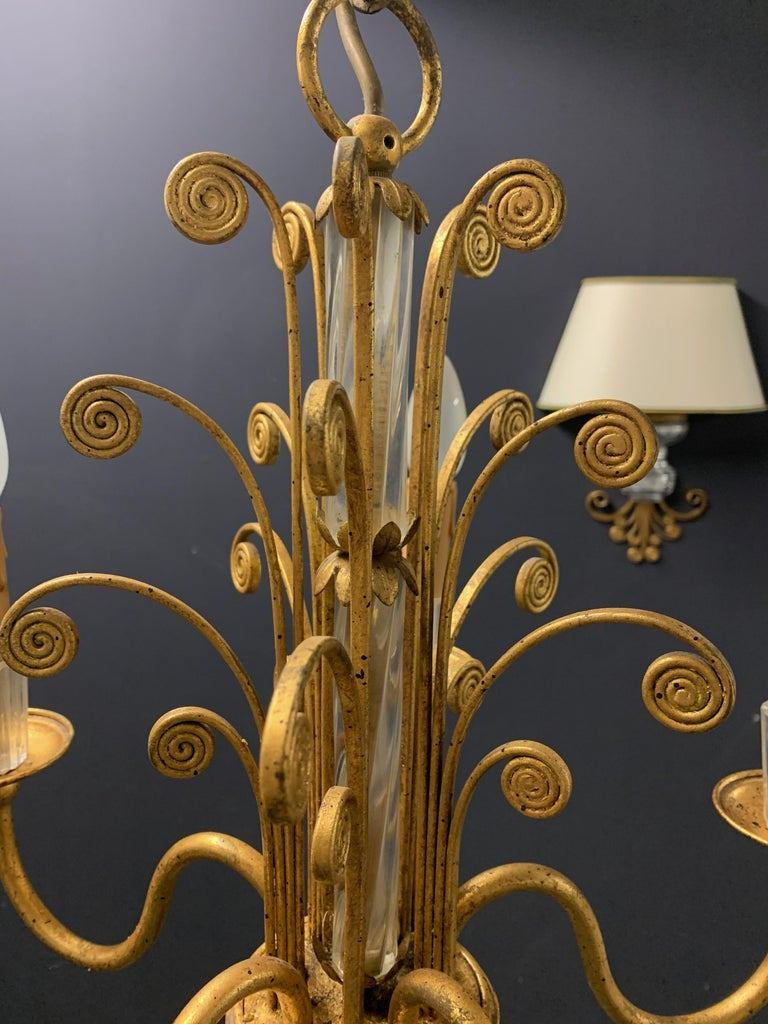 Amazing Maison Baguès Gilt and Crystal Glass Chandelier For Sale 4