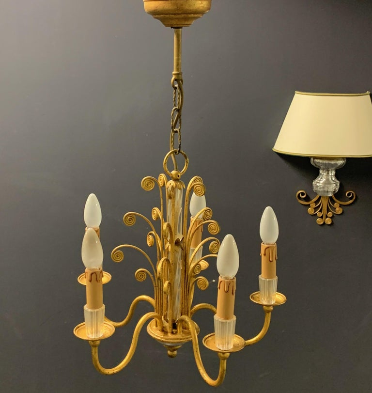 French Amazing Maison Baguès Gilt and Crystal Glass Chandelier For Sale
