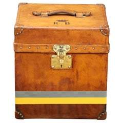 Amazing & Rare Louis Vuitton Hat Trunk in natural calf leather  Circa 1920