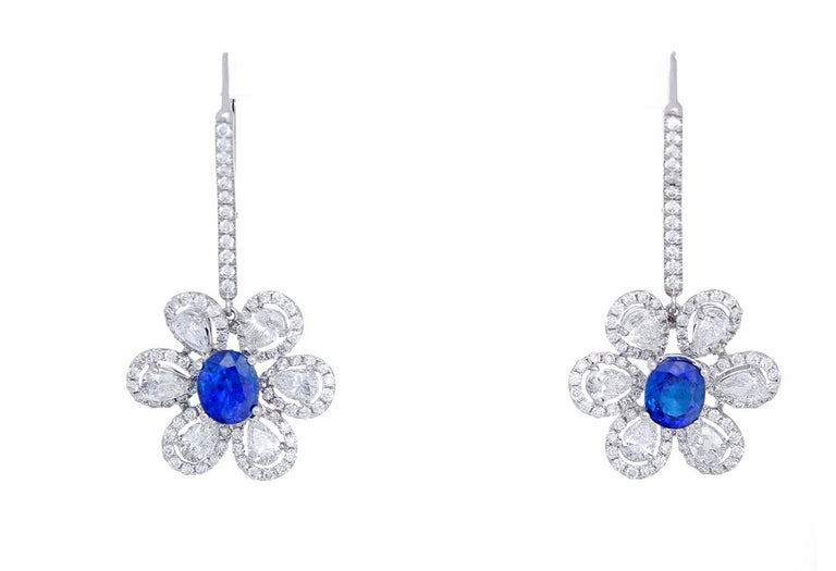 Amazing Sapphire Diamond Gold Flower Drop Earrings In New Condition For Sale In Dallas, TX