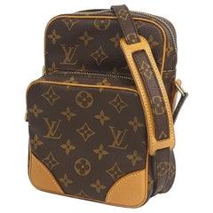 Amazon  Womens  shoulder bag M45236