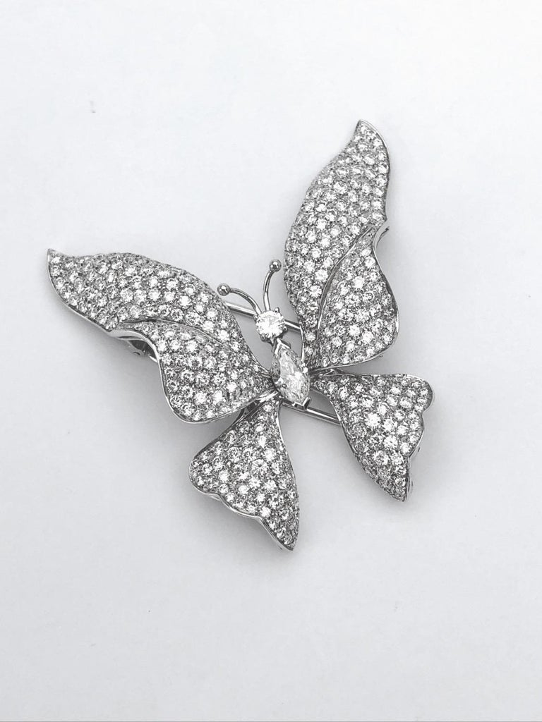 Contemporary Ambrosi 18 Karat White Gold, 7.38 Carat Diamond Butterfly Brooch For Sale