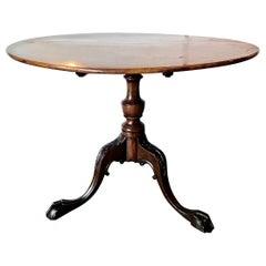 American 18th Century Tilt-Top Tea Table