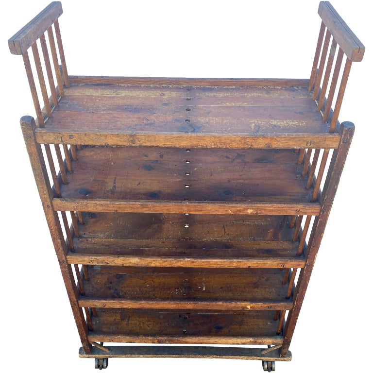 Mid-20th Century American 1930s Wooden Bread Rack Or Cart For Sale