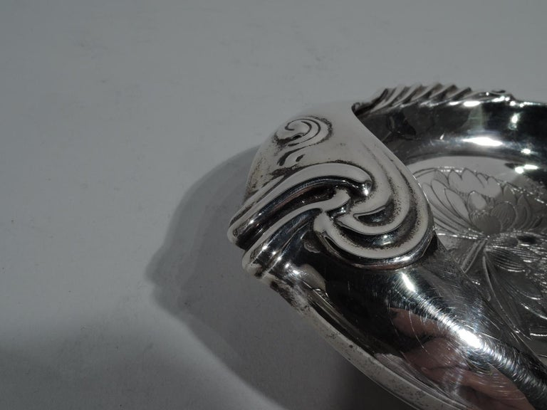American Aesthetic Japonesque Sterling Silver Fish Dish by Whiting In Excellent Condition For Sale In New York, NY