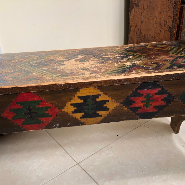 American Antique Hand-Incised & Painted Wood Bench, Unique Native American, 1910 For Sale 4
