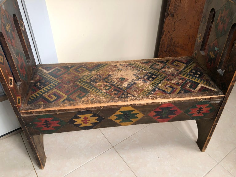 American Antique Hand-Incised & Painted Wood Bench, Unique Native American, 1910 In Good Condition For Sale In Shelburne, VT