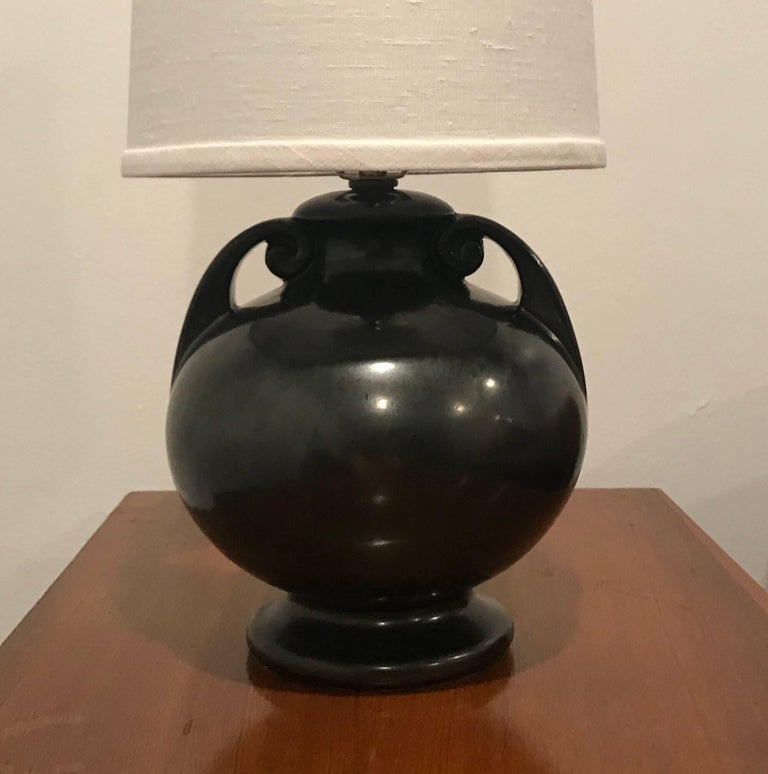 Mid-20th Century American Art Deco 1930 Art Pottery Table Lamp For Sale