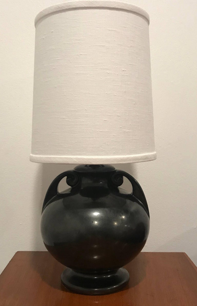 Ceramic American Art Deco 1930 Art Pottery Table Lamp For Sale
