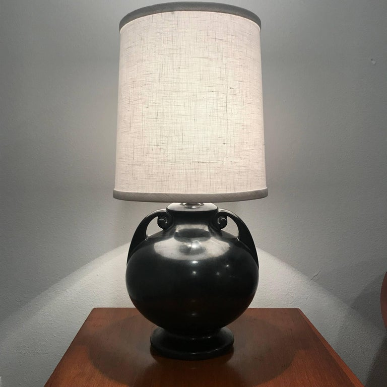 American Art Deco 1930 Art Pottery Table Lamp For Sale 2