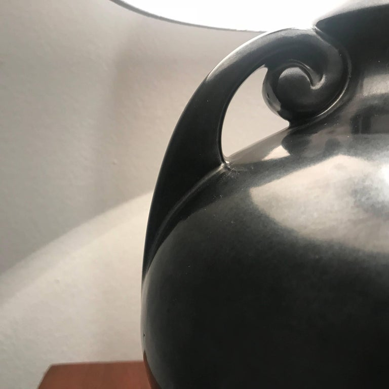 American Art Deco 1930 Art Pottery Table Lamp For Sale 3