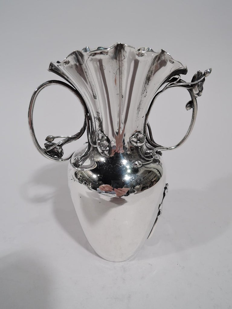 American Art Nouveau Sterling Silver Bud Vase by Shiebler In Excellent Condition For Sale In New York, NY