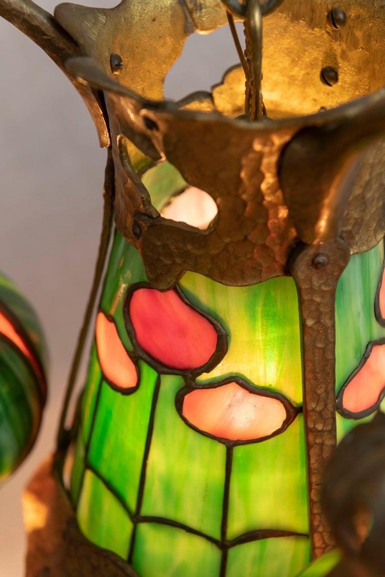 American Arts & Crafts/ Art Nouveau Leaded Glass 4 Light Chandelier, circa 1910 For Sale 4